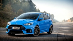 ford_focus_rs_blue_side_view_105669_3840x2160